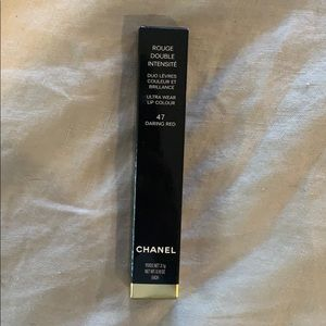 Chanel Ultra color lip wear: Daring Red / Gloss